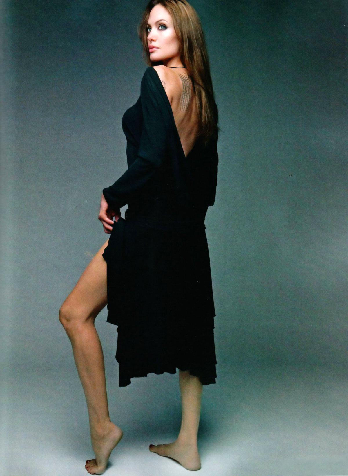 Angelina Jolie Sexy Feet 7