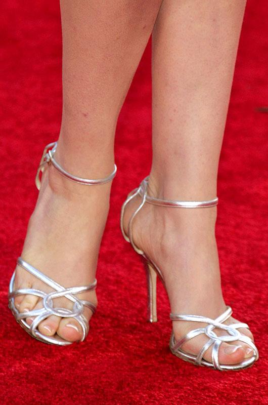 Hathaway feet ann 63 Anne